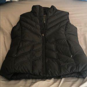 Black Eddie Bauer vest
